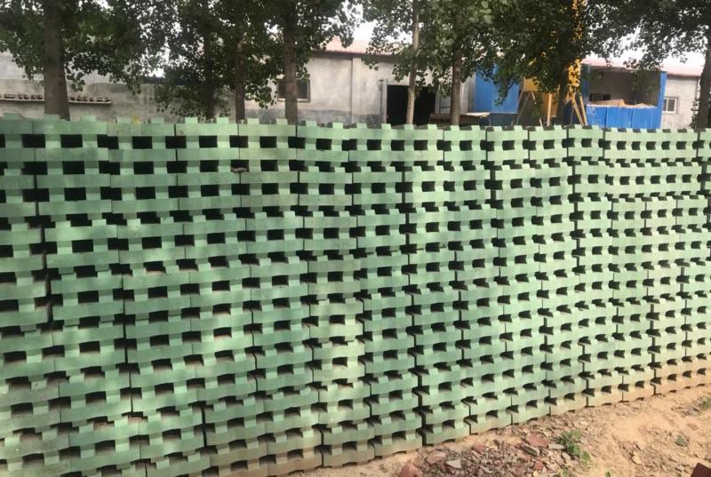 如何提高植草砖的抗拉强度?-隔热砖
